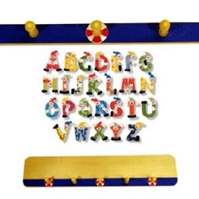 Pinokki-Toys · · Kapstok voor letters